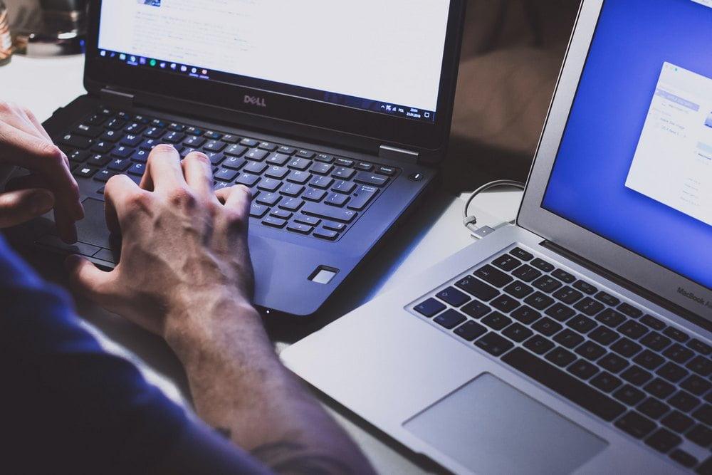 Kotielektroniikan yksityisyyden ja tietojen suojaaminen